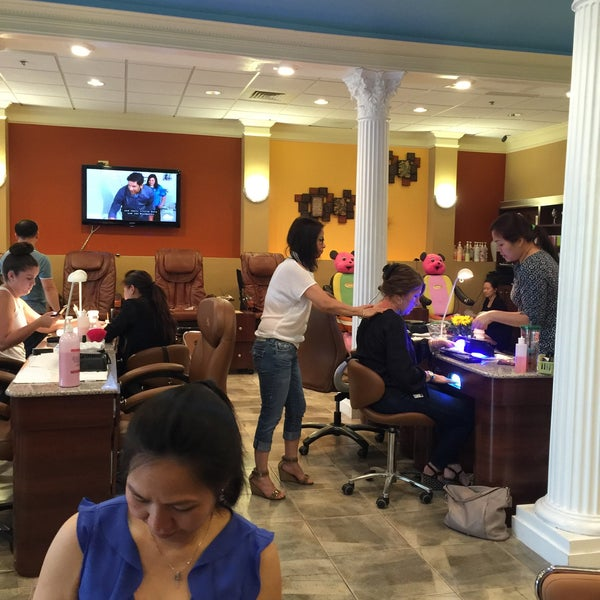 Photo taken at Beauty Touch Spa by Kathie H. on 5/20/2016