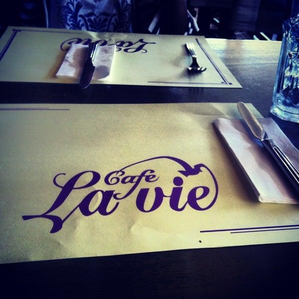 Photo taken at Cafe La Vie by Murat Baykal on 7/24/2013