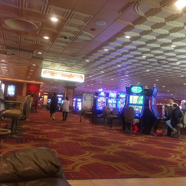 Photo taken at Gold Coast Hotel & Casino by Earn P. on 11/23/2016