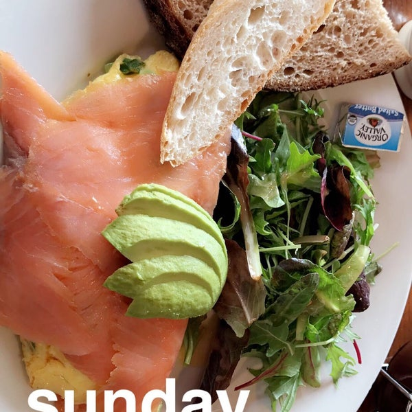 Photo taken at Le Pain Quotidien by Armita on 3/5/2017