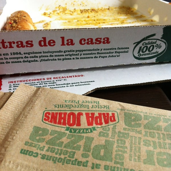 Photo taken at Papa John's by Paulo G. on 3/20/2013