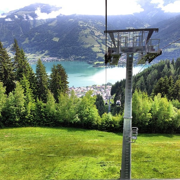 City xpress cable car in zell am see for Designhotel zell am see living max