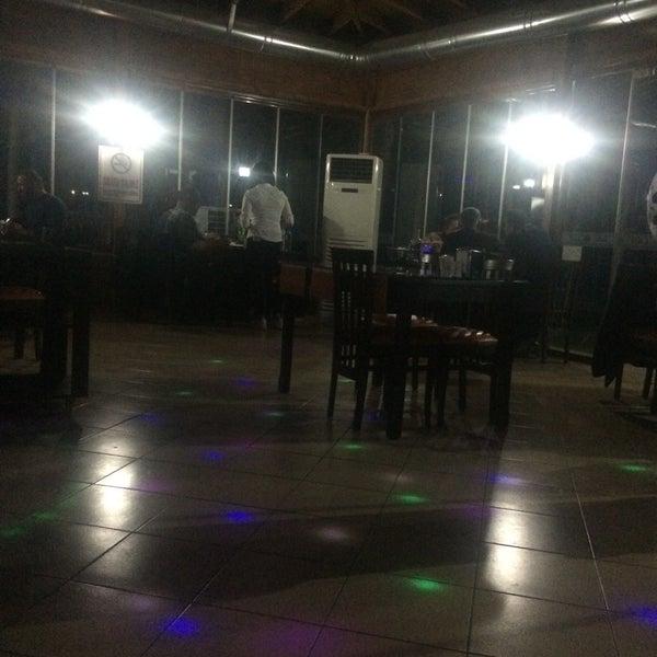 12/1/2017 tarihinde Ali T.ziyaretçi tarafından Koçlar Restaurant ve Dinlenme Tesisi'de çekilen fotoğraf