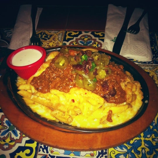 Photo taken at Chili's by Haifa a. on 12/5/2012