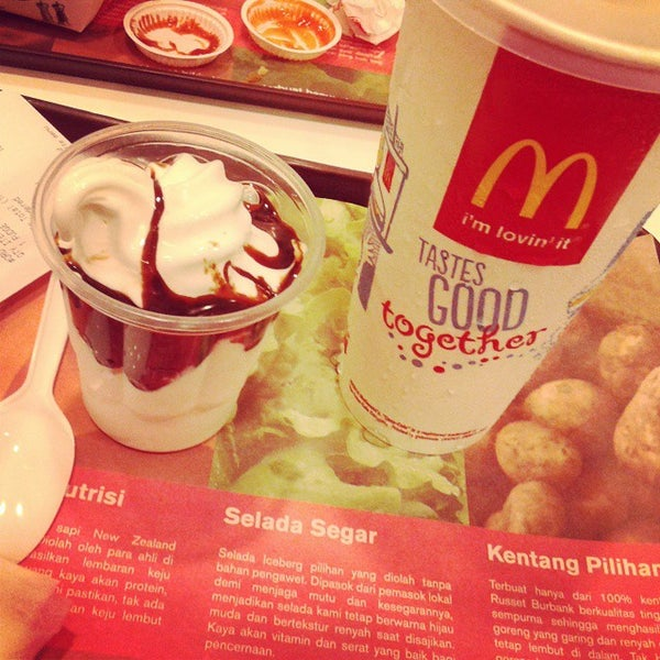 Photo taken at McDonald's by HenDry W. on 12/5/2014