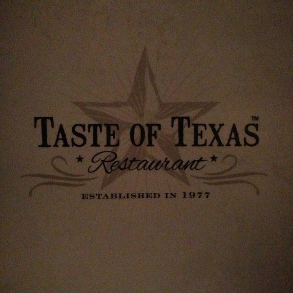 Foto tomada en Taste of Texas por Thiago M. el 7/21/2013