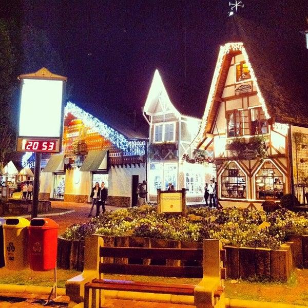 Foto tirada no(a) Boulevard Geneve por Beto S. em 11/15/2012