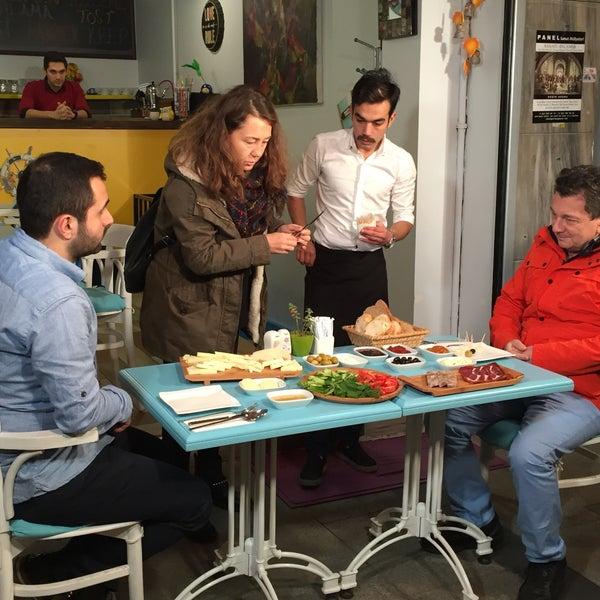 12/2/2015 tarihinde Ali Ş.ziyaretçi tarafından Otlangaç Kahvaltı & Kafe'de çekilen fotoğraf