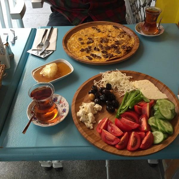 11/24/2015 tarihinde Ali Ş.ziyaretçi tarafından Otlangaç Kahvaltı & Kafe'de çekilen fotoğraf