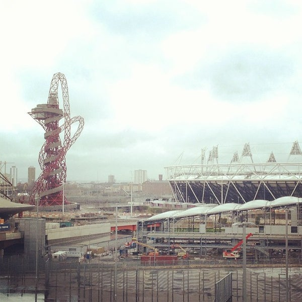 3/17/2013 tarihinde Madebeikin R.ziyaretçi tarafından Queen Elizabeth Olympic Park'de çekilen fotoğraf