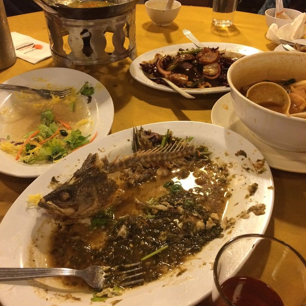 Photo taken at Horizon Garden Restaurant by Syazwani G. on 9/18/2016