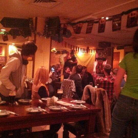 Снимок сделан в Molly Malone's Pub пользователем Nikita T. 12/21/2012