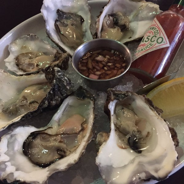 Photo taken at Mourne Seafood Bar by Denissita G. on 6/28/2016