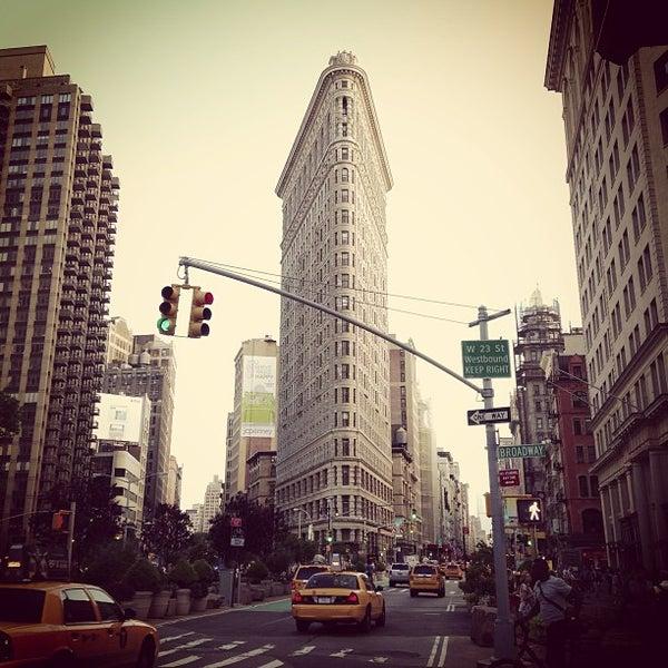 Foto diambil di Madison Square Park oleh Kirill S. pada 7/4/2013