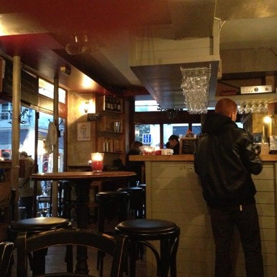 10/27/2012 tarihinde Lorraine D.ziyaretçi tarafından Le Barav'de çekilen fotoğraf