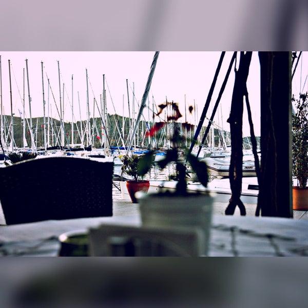 3/23/2016 tarihinde Yasin Ö.ziyaretçi tarafından Mod Yacht Lounge'de çekilen fotoğraf