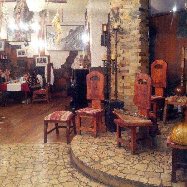 Снимок сделан в Old Erivan Restaurant Complex пользователем Jan Z. 10/8/2013