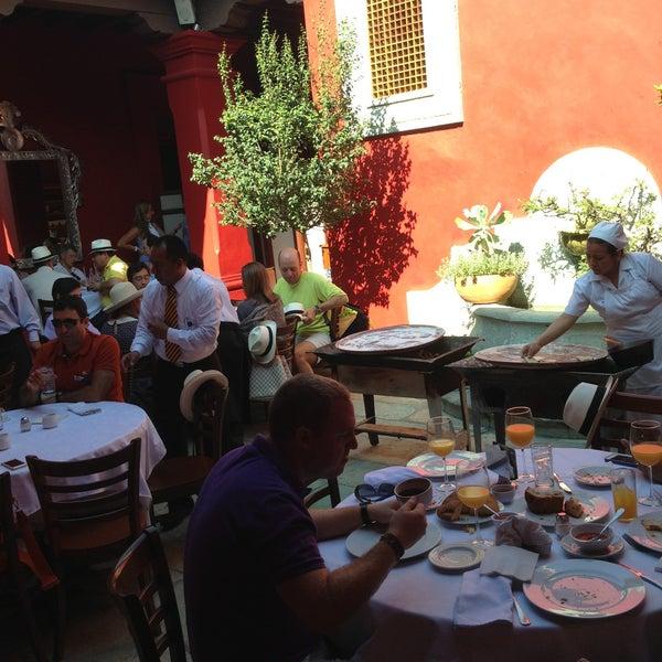 Foto tomada en Catedral Restaurante & Bar por Patrick D. el 4/26/2013