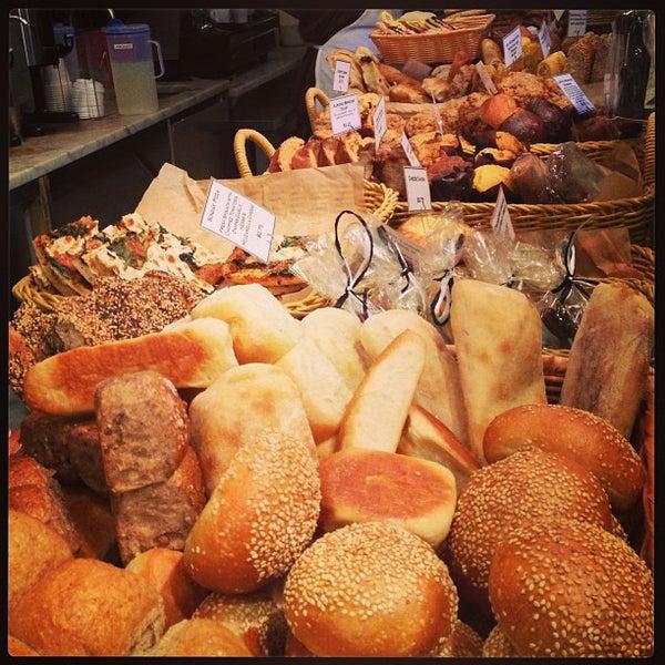 Foto tomada en Amy's Bread por Khai el 12/30/2012