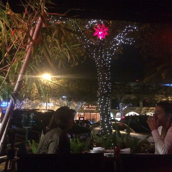Foto tomada en Red Koi Thai & Sushi Lounge por Michelle C. el 1/10/2015