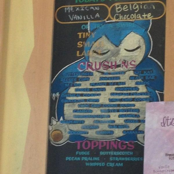 6/4/2013 tarihinde Mariah S.ziyaretçi tarafından Amy's Ice Creams'de çekilen fotoğraf