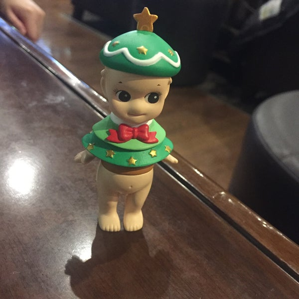 Photo taken at Starbucks by 🌸 김. on 11/29/2015