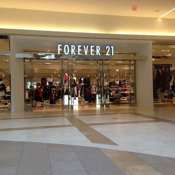 Dec 03,  · Forever 21 is a great stop for those shoppers looking for trendy clothes at an affordable price. This store has mutliple levels so make sure not to miss a section. One section was a bit hard to find for me - it is a few steps down from the main floor.3/5().