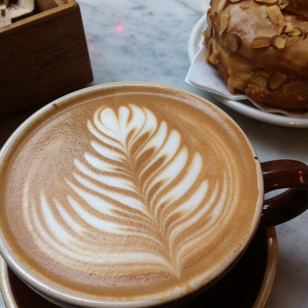 Das Foto wurde bei Culture Espresso von german r. am 12/21/2012 aufgenommen