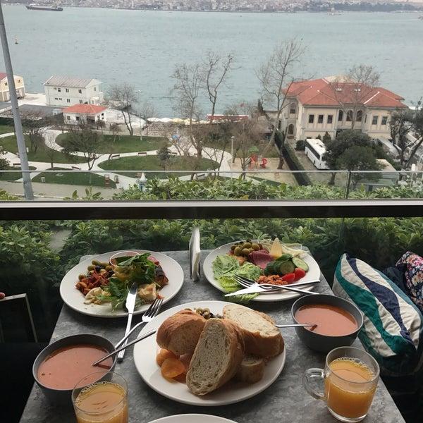 2/14/2018 tarihinde ❤Farnaz A.ziyaretçi tarafından Anjer Hotel Bosphorus'de çekilen fotoğraf