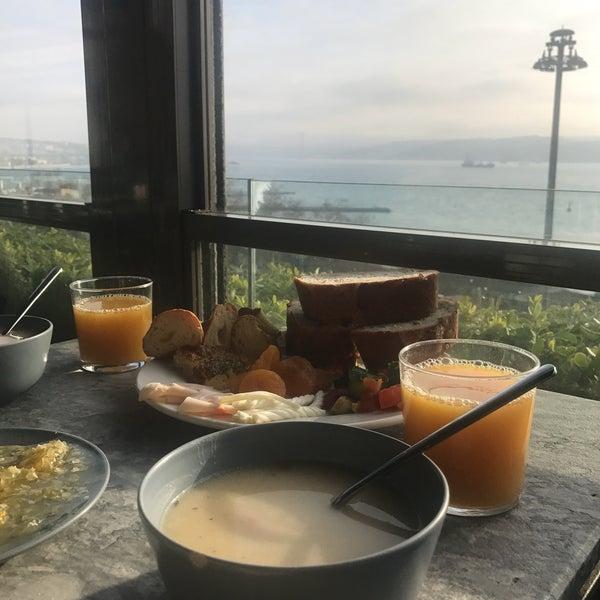 2/15/2018 tarihinde ❤Farnaz A.ziyaretçi tarafından Anjer Hotel Bosphorus'de çekilen fotoğraf