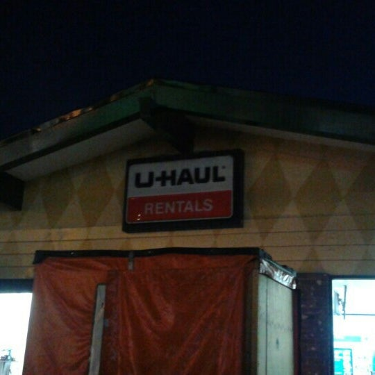 Photo Taken At U Haul Of Pico Rivera By Matthew S. On 11/