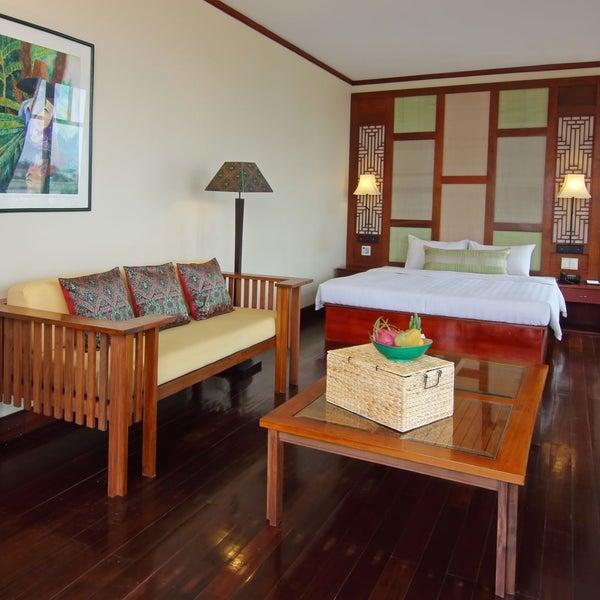 Photo taken at Amanjaya Pancam Suites Hotel by Amanjaya Pancam Suites Hotel on 11/13/2015