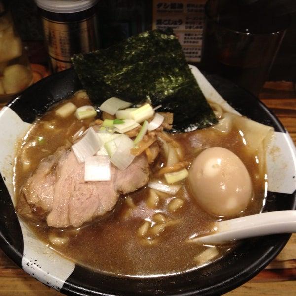 4/11/2013 tarihinde Mamoru T.ziyaretçi tarafından Sugoi Niboshi Ramen Nagi'de çekilen fotoğraf