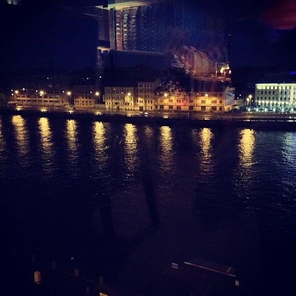 7/20/2013にMaxim D.がМосква Cityで撮った写真