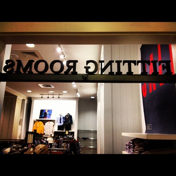 American Eagle Clothing Store Chicago