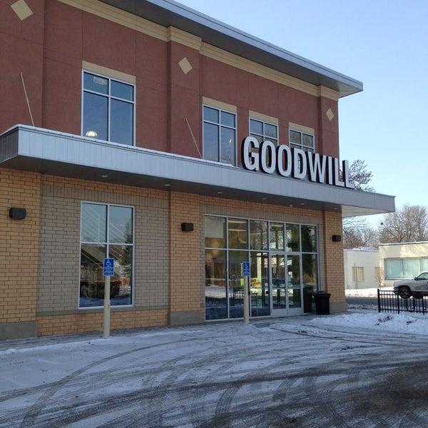 goodwill thrift vintage store in windom. Black Bedroom Furniture Sets. Home Design Ideas