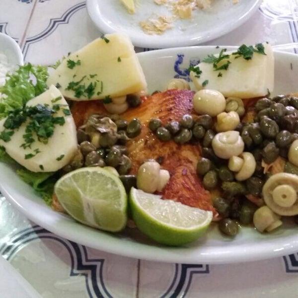 Salmão com champignon e alcaparras delicioso!