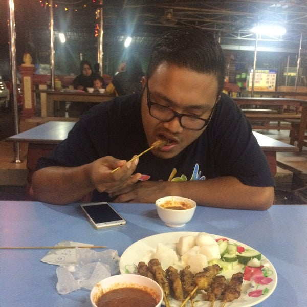 Photo taken at Satay Hut by Syahida R. on 12/9/2016