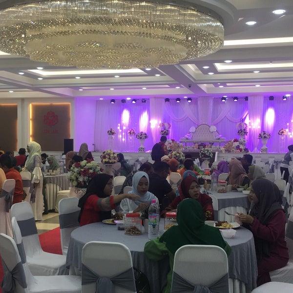 Photos at bangunan umno bahagian muar government building photo taken at bangunan umno bahagian muar by fathi88 y on 1021 junglespirit Gallery