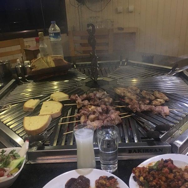 10/7/2017 tarihinde Emreziyaretçi tarafından Gölköy Restaurant'de çekilen fotoğraf
