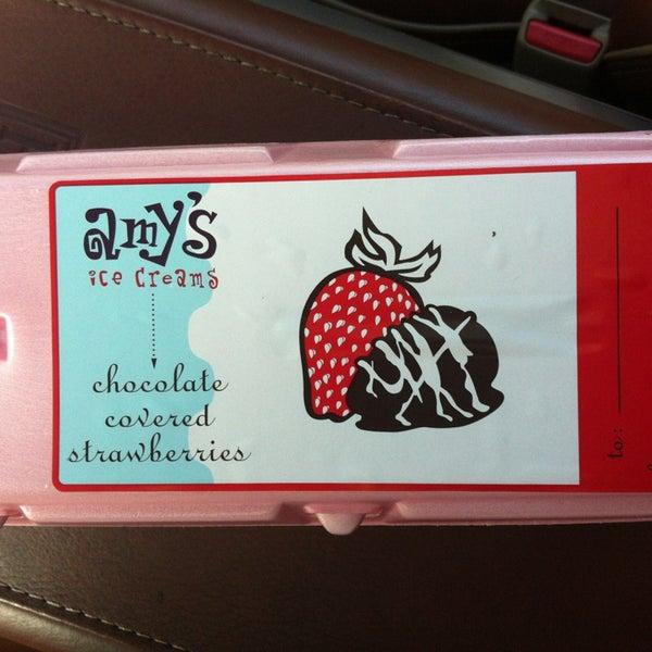 2/12/2013 tarihinde Dylan D.ziyaretçi tarafından Amy's Ice Creams'de çekilen fotoğraf