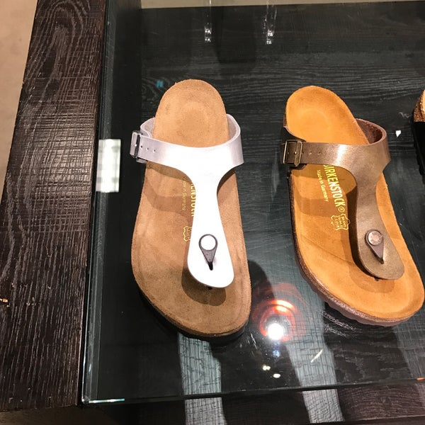 Photo taken at Nordstrom Galleria Dallas by Walter T. on 3/1/2017