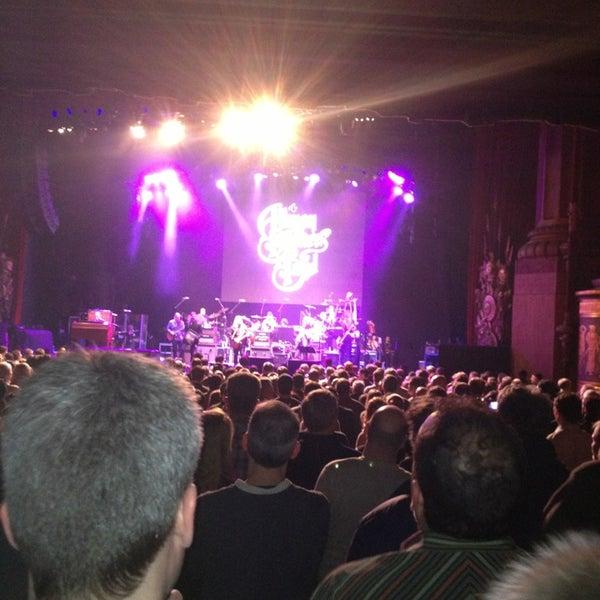 รูปภาพถ่ายที่ Beacon Theatre โดย Chris S. เมื่อ 3/9/2013