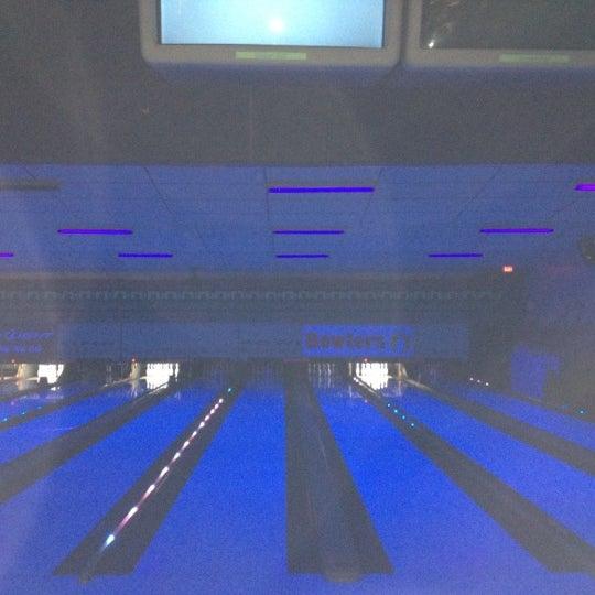 Foto diambil di All Star Lanes oleh Lisa M. pada 11/24/2012