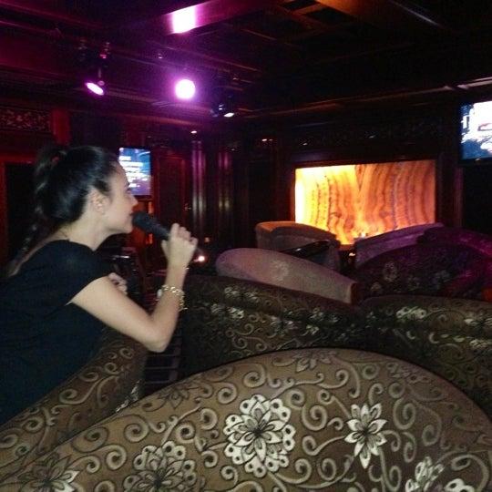 Снимок сделан в LEO пользователем Lilian . 10/26/2012