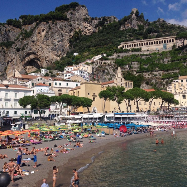 Where's Good? Holiday and vacation recommendations for Amalfi, Italy. What's good to see, when's good to go and how's best to get there.