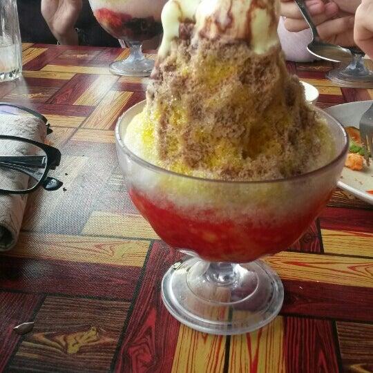 Photo taken at Restoran Pinang Sebatang by Iera N. on 12/16/2015