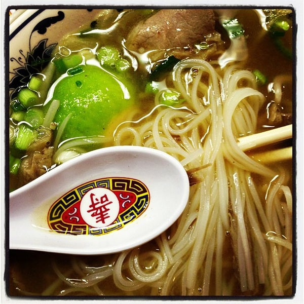Photo taken at Pho 777 Vietnamese Restaurant by Nico A. on 11/27/2012