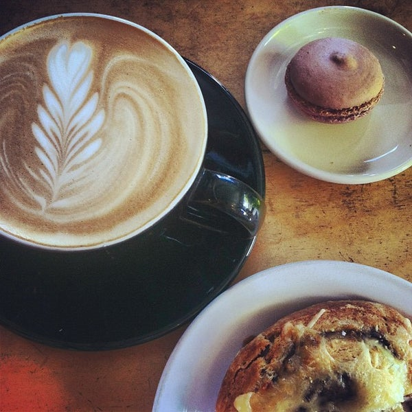 Photo taken at Crema Bakery and Cafe by Emmy F. on 7/4/2013