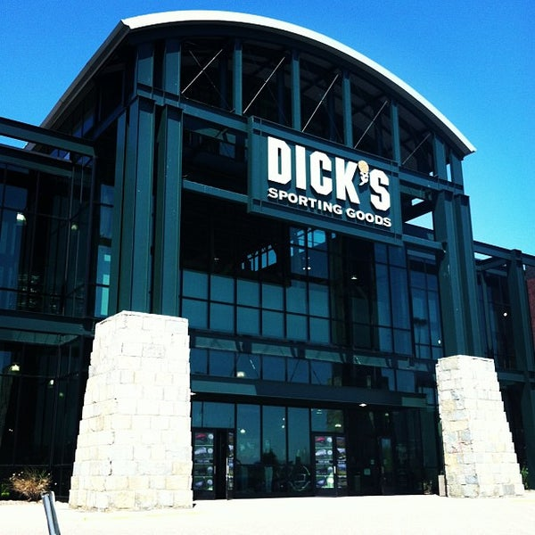 DICKS Sporting Goods Store in Minnetonka, MN 409
